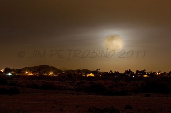SuperMoon Rises 2011